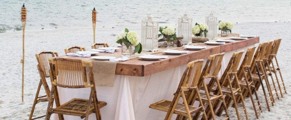 agc_subhead_beachwedding_table