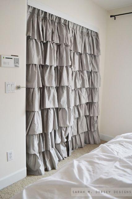 23. o pueden ser cortinas, una versión mas económica.
