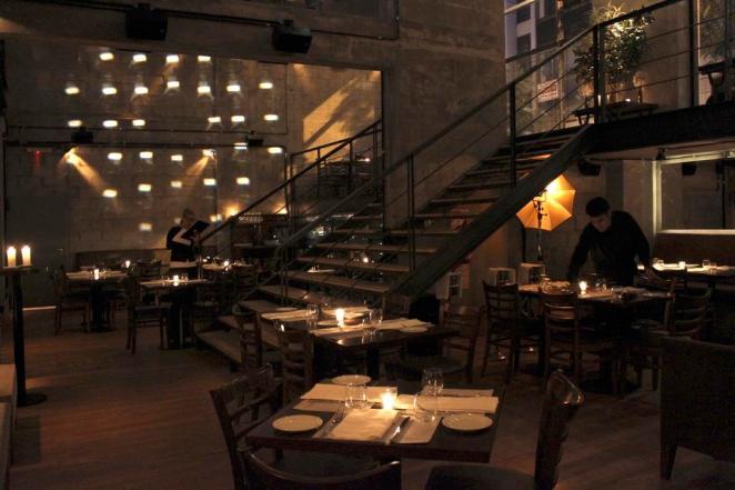 Este bar de Retiro después de las 18, la rompe. Gente linda, amigable, excelentes cocktails y aperitivos de Ludovico De Biaggi y por sobre todo, muy buena onda.