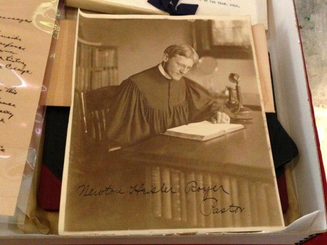 11. Una foto del Pastor de la iglesia de 1913
