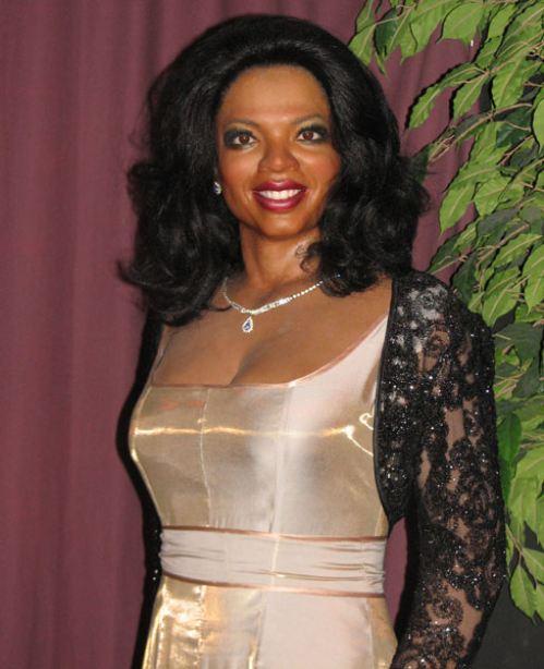 15. Oprah tiene los ojos como Sid de la era de hielo.