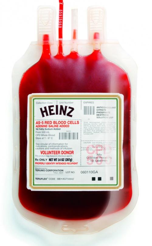15. Bolsa de sangre ketchup Heinz