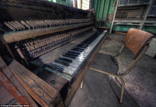 9. La sala de música, más callada que nunca