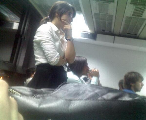 8. Natalia Dim (ex Nivel X) en plena clase de Historia del arte en UADE.