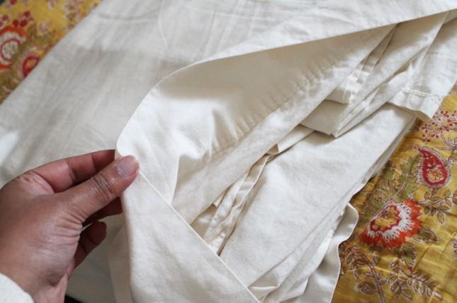 9. Guardá las sábanas en la funda para almohadas. Parece obvio pero es una idea genial pocas veces aprovechada.