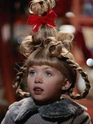 Cindy Lou es la pequeña que descubre la existencia de El Grinch. Es protagonizada por Taylor Momsen. Pero... qué paso con Taylor?