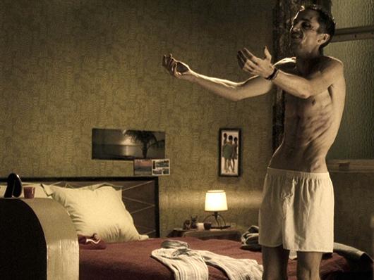 2. Christian Bale adelgazó más de 28 kilos en 4 meses para El Maquinista comiendo una lata de atún y una manzana por día