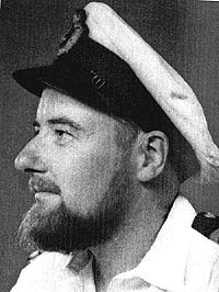2. Michael Dillon: el primer hombre trans sometido a una faloplastía reconstructiva (1946)