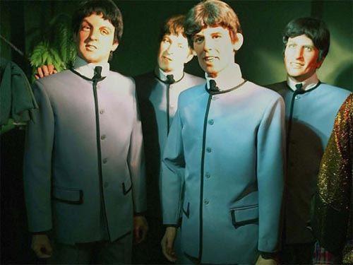 9. Los Beatles tienen cara de que te van a asesinar mientras dormís.