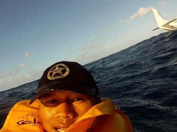 8. ¿Accidente de avión como el de la película el naufrago? ¡Selfie!.