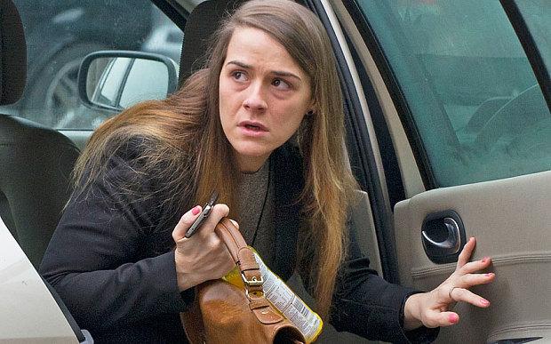 Gayle Newland es una mujer de 25 años de Willanston, Inglaterra, que durante dos años se hizo pasar por el novio de una amiga suya. Así, Newland se volvió Kye Fortune, un