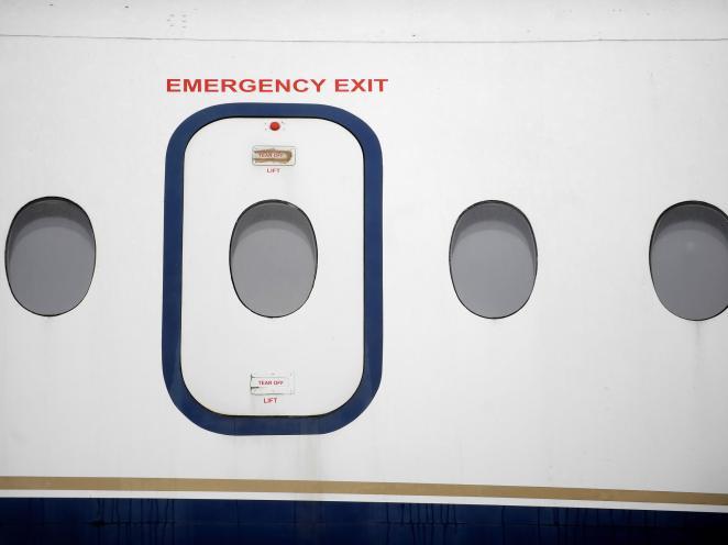 Resultado de imagen para plane emergency exit