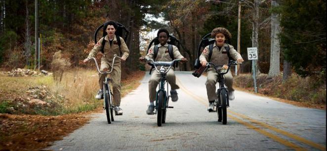 La temporada 3 de Stranger Things estará inspirada en la película Volver al futuro