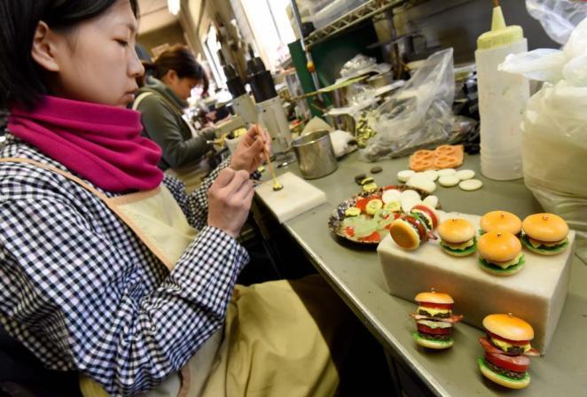 Resultado de imagen para fake food japan making