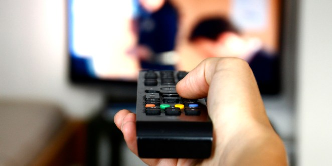 Resultado de imagen para watching tv