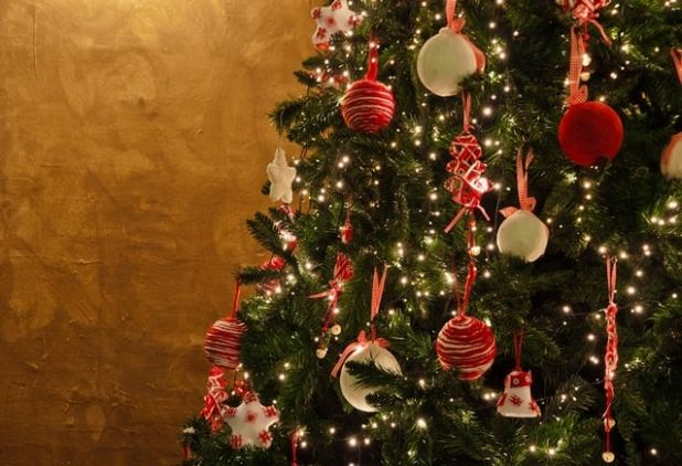 Christmas tree yelllow