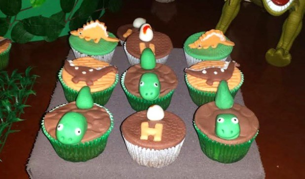 festa dino cupcake