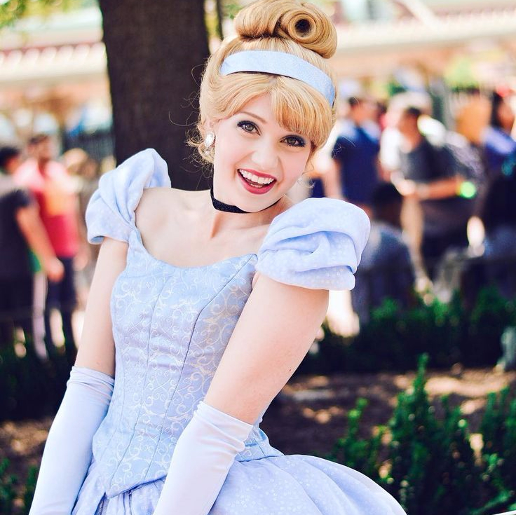 3f1a5c806b0d3a63d0f9d4dce8e0260a–cinderella-cosplay-disney-cosplay
