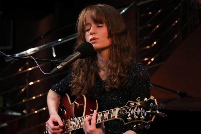 Sarah_Munro_Singer-Songwriter_Live_at_The_Pheasantry_1