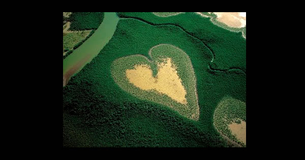 9 Gigantic Hearts Created by Mother Nature