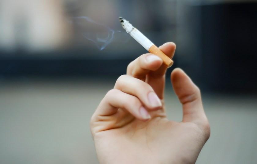 planteo de prescripcion de la accion de daños y perjuicios por adicción al cigarrillo contra massalin particulares