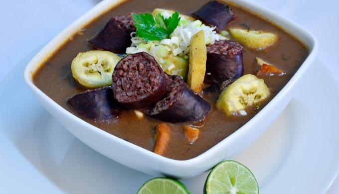 Su comida tipica  Katia Bolaos