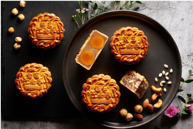 mooncakes four seasons hotel singapore sg