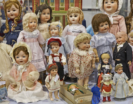 ethan holmes doll-collection