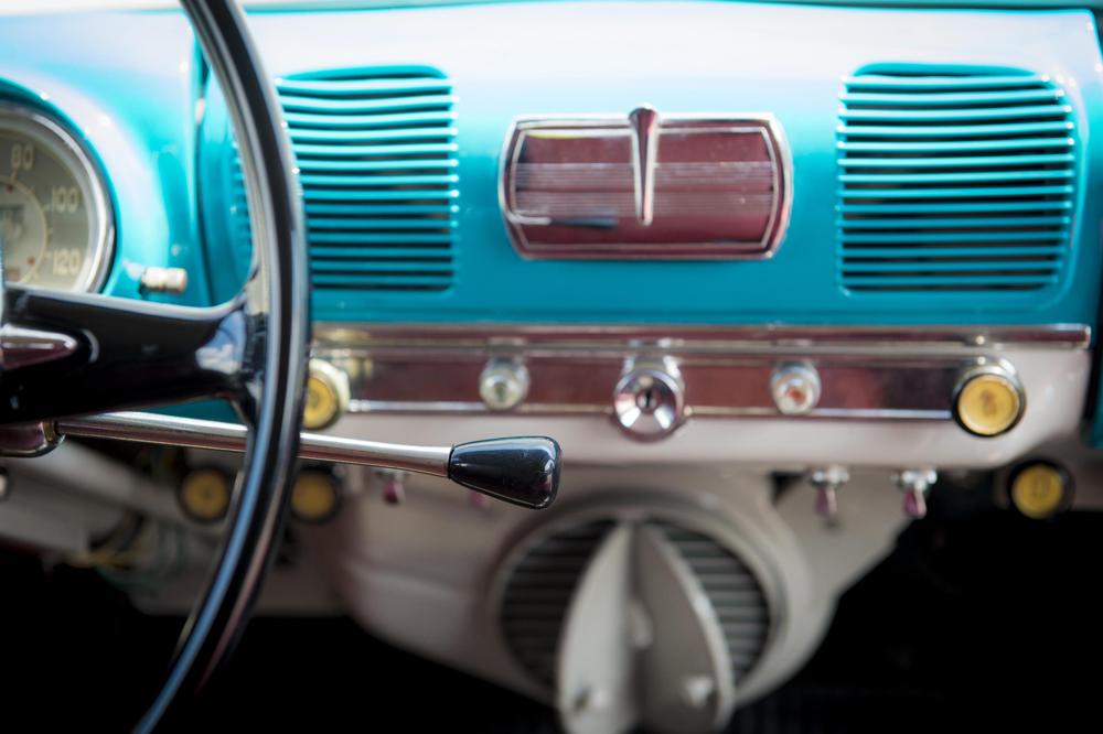 Seat nos cuenta la evolución de la palanca de cambios en los coches