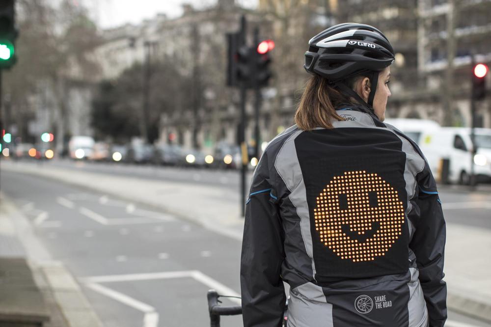 Emoji Jacket Ford para ciclistas