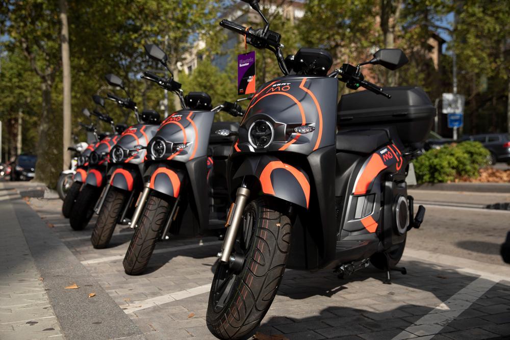 SEAT MÓ despliega su servicio de motosharing en Barcelona