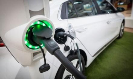 Las matriculaciones de vehículos híbridos, de gas y electrificados creció mas de un 30 por ciento en agosto
