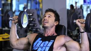 Omuz hareketi – Dumbbell Shoulder Press tekniği