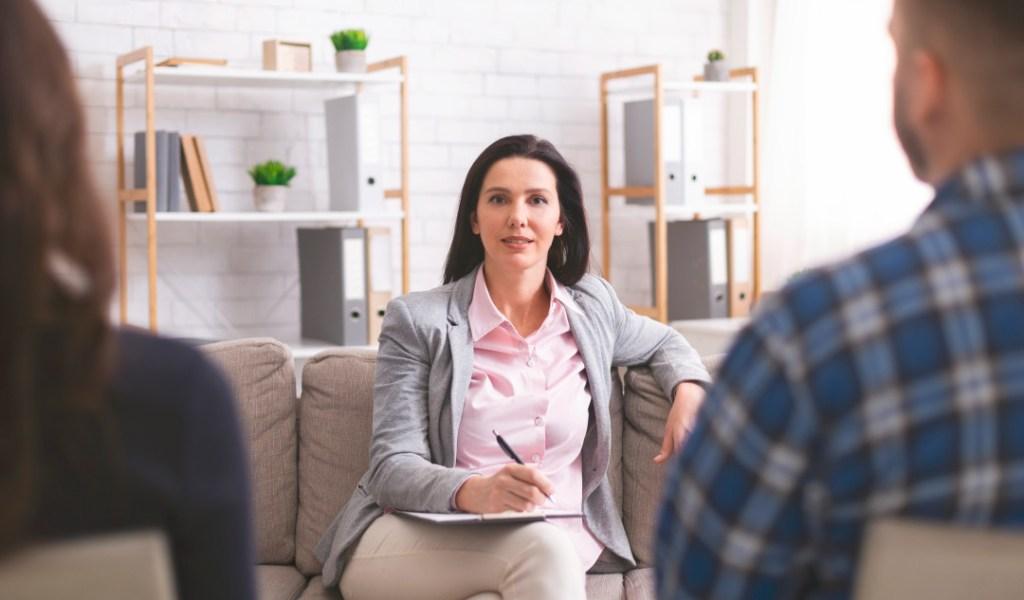 Hire a relationship coach with Eventeus.com!