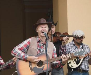 Hire country singers now on Eventeus.com1