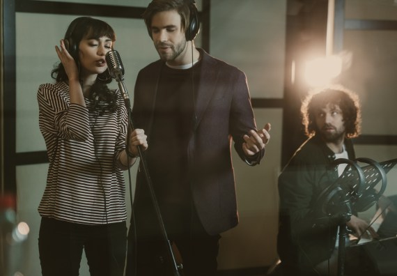 Find the best background singers online with Eventeus.com (2)