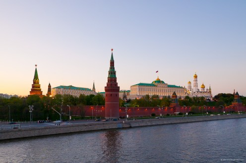 Kremlin_from_Bolshoy_kamenny_bridge