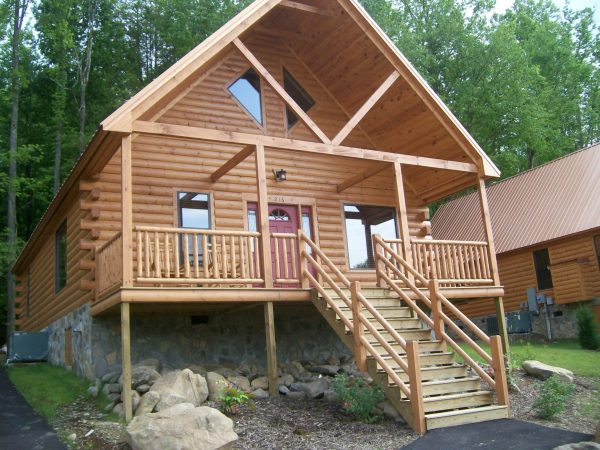 pretty log cabin in Gatlinburg, Tennessee