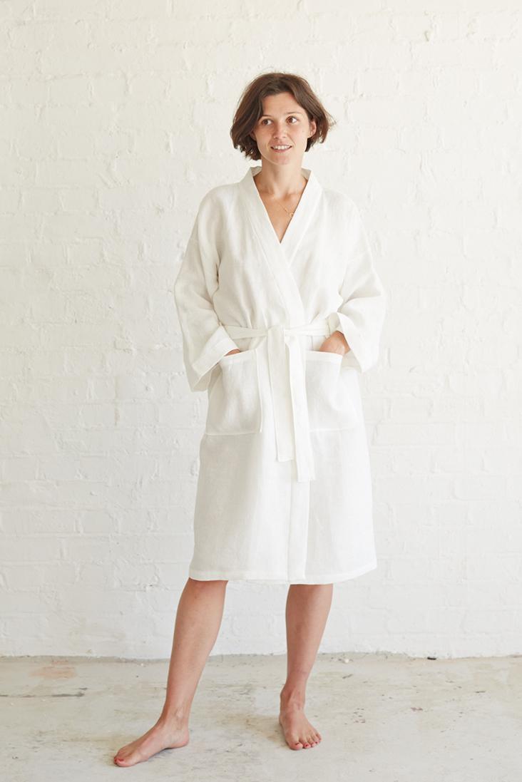 Kimono Robe Sewing Pattern Free : kimono, sewing, pattern, Relaxed, Linen, Bathrobe, Tutorial, Thread