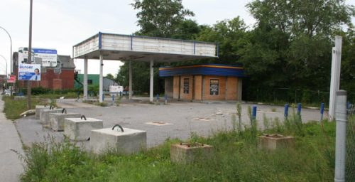 Abandoned ex-Ultramar gas station at St. Jacques and Oxford