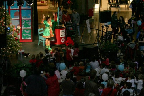 Children attend some sort of family Christmas concert at Complexe Desjardins, blissfully unaware of the politics outside.