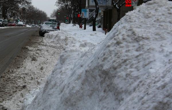 An inconvenient snowbank (Fagstein file photo)