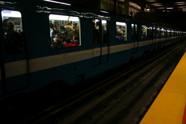 Metro train filled to capacity at Pie-IX