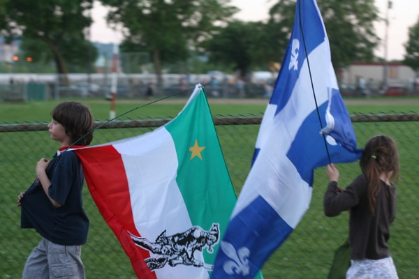 Aww look at that diversity. (I'm being sarcastic, of course - that's the flag of the Jeunes patriotes du Québec)
