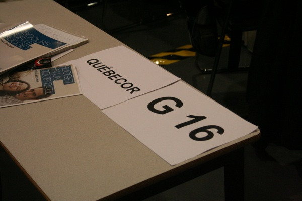 Different media are assigned tables in the hall depending on their type and size