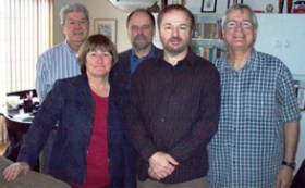 Le comité provisoire mars 2011 dans l'ordre habituel Philippe Falardeau, trésorier, Marie Falardeau, secrétaire, Mario Falardeau, vice-président, Yves Falardeau, administrateur et François Falardeau, président.