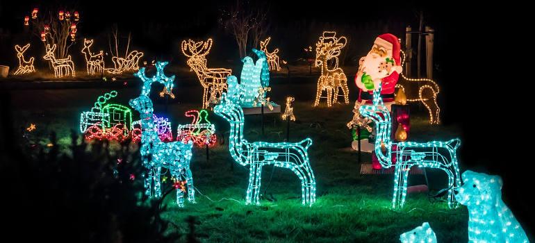 Make Christmas Tree Out Lights