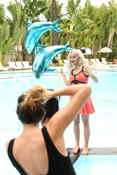 Rita Ora Behind the Scene (10)