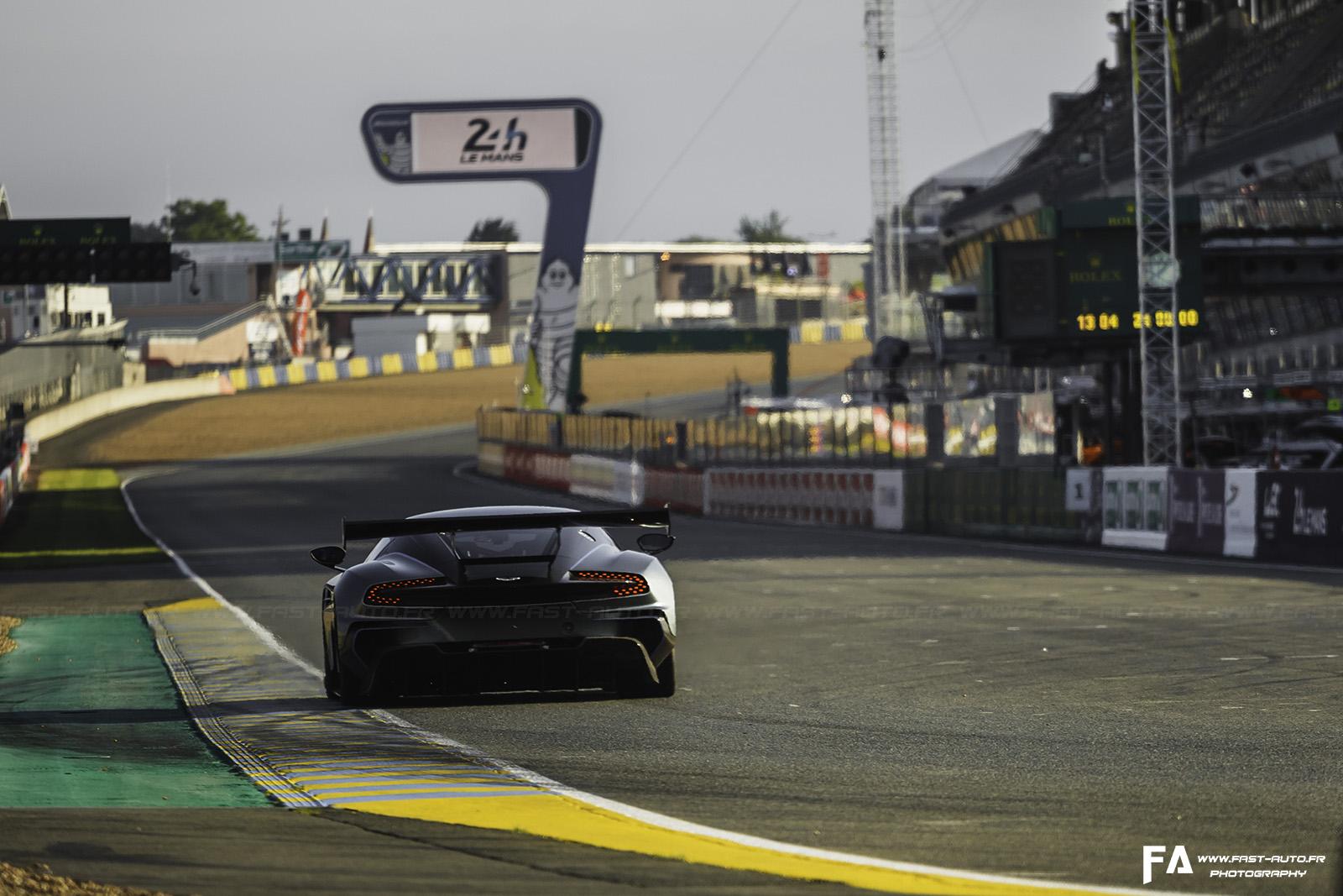 Aston Martin Vulcan - Circuit/Track