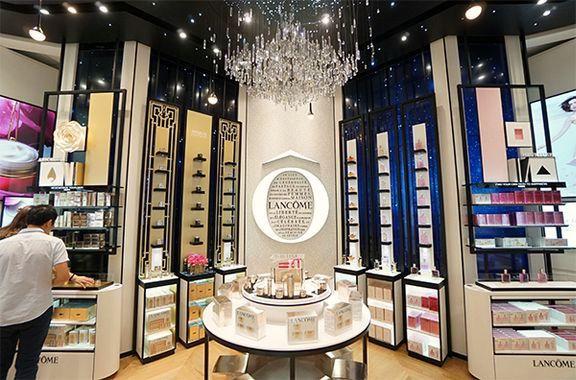 Boutique Lancôme en Chine, scénographie du luxe